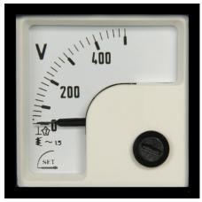 ST148 x 48 90°Döner bobinli ve oynardemirli AC Voltmetre